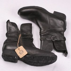 Born Black Leather Buckle Strap Low Heel Boots 11
